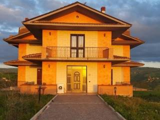 Foto - Villa, buono stato, 400 mq, Carife