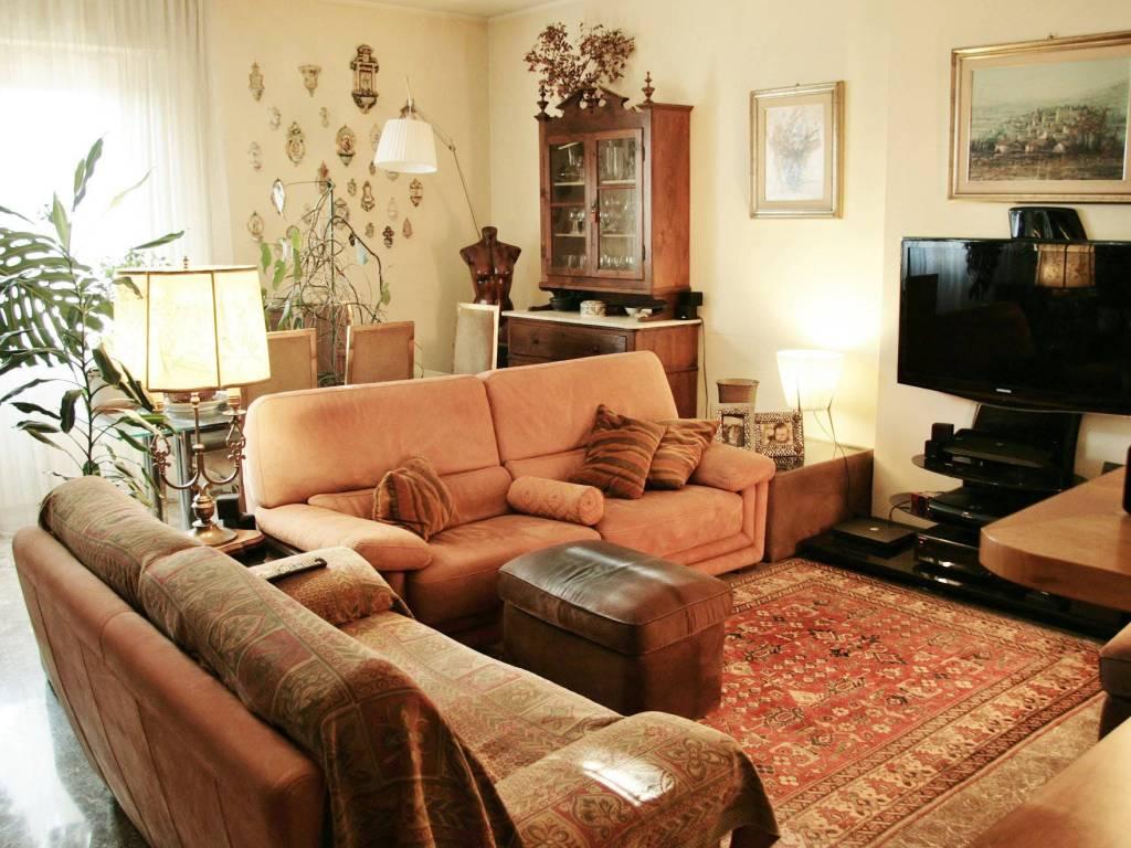 Vendita appartamento foligno quadrilocale in via friuli for Immobiliare foligno