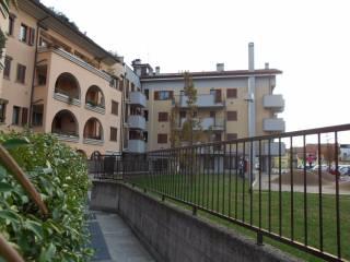 Foto - Trilocale via Visconti, Origgio