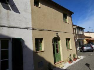 Foto - Casa indipendente via Fratelli Rosselli 3A, Castellina Marittima