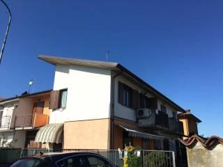 Foto - Bilocale via Cesare Abba, Comezzano-Cizzago