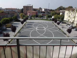 Foto - Bilocale piazza Palmiro Togliatti, Garlasco