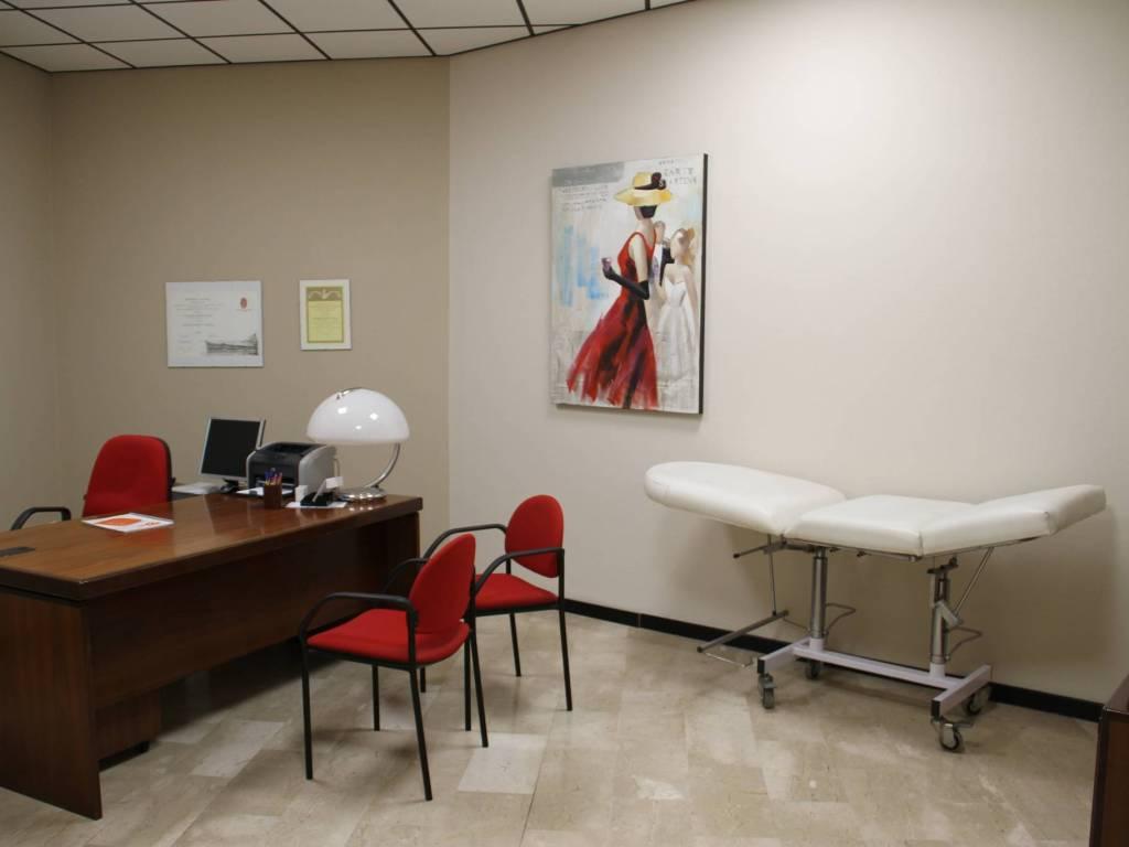 foto  Ufficio in Vendita a Sesto Calende