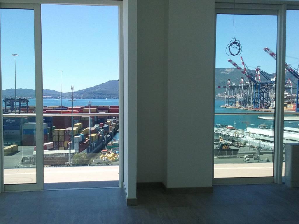 foto vista dal soggiorno Appartamento viale San Bartolomeo 511, La Spezia