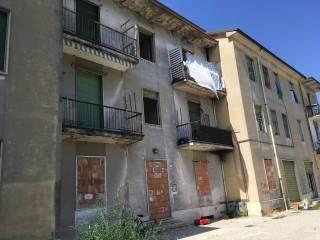 Foto - Palazzo / Stabile via Paride Suzzara Verdi, Frassino, Mantova