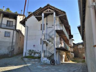 Foto - Casa indipendente via Compagno Enrico 38, Rueglio