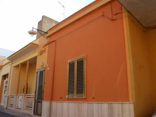 Foto - Casa indipendente via Pola, Sannicola