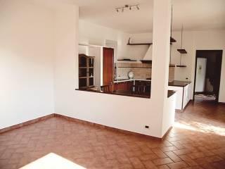 Foto - Appartamento via Innocente Salvini 31, Calcinate, Varese