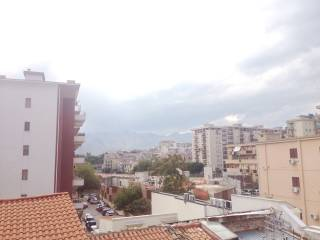 Foto - Trilocale via d'Ossuna, Zisa, Palermo
