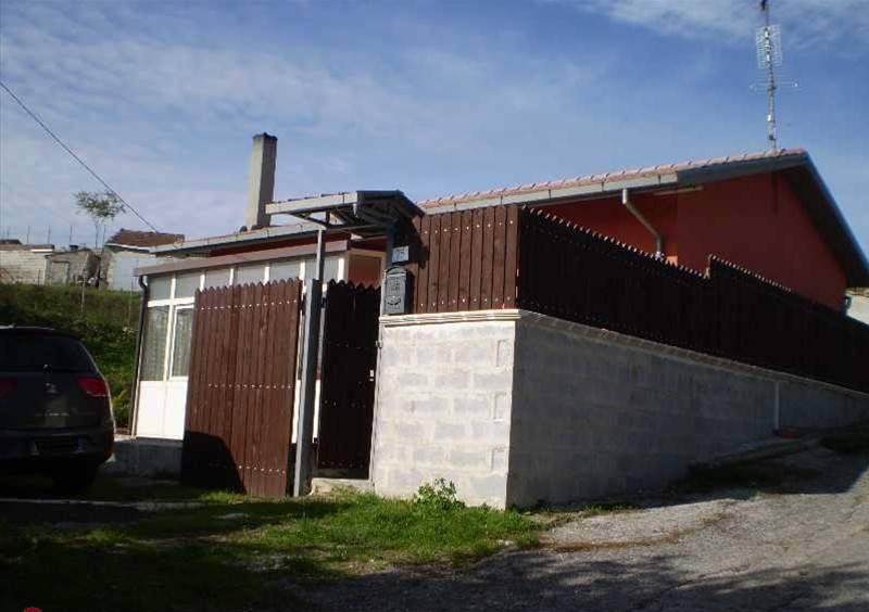 foto  Einfamilienhaus 100 m², guter Zustand, Potenza