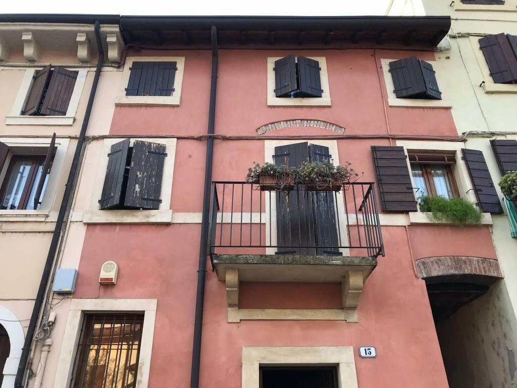 foto  Casa indipendente piazza Plebiscito, Verona