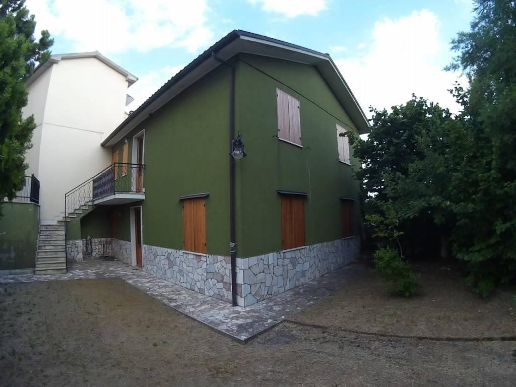 foto 1 Villa via Roma, Longone Sabino