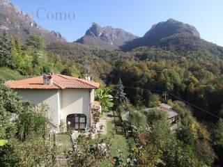 Foto - Villa a schiera Strada Sasso Rosso Dasio 98, Valsolda