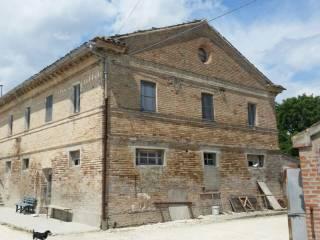 Foto - Rustico / Casale, da ristrutturare, 700 mq, Castelfidardo