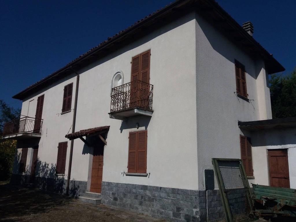 foto  Casa indipendente 150 mq, da ristrutturare, Carezzano