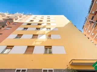 Foto - Trilocale ottimo stato, quarto piano, Somalia, Roma