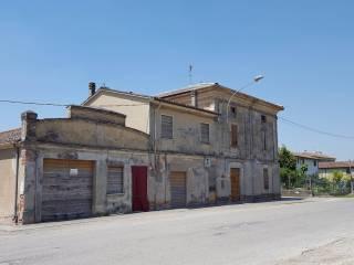 Foto - Rustico / Casale via Alessandro Manzoni, Pozzo Baronzio, Torre de' Picenardi