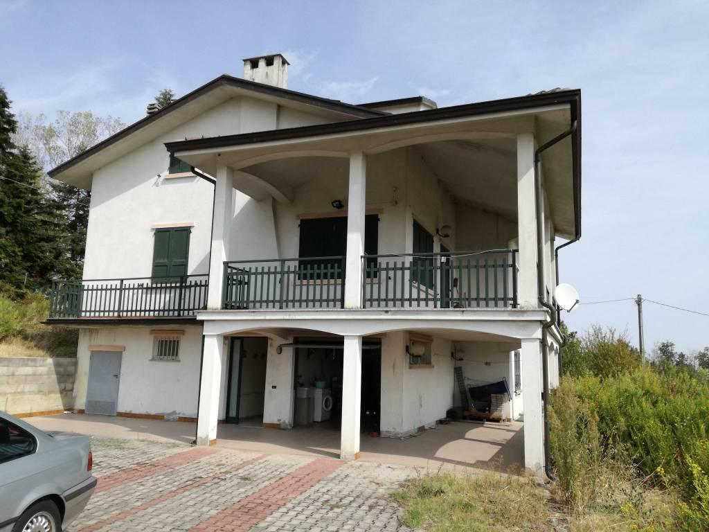 foto  Villa Località Galoppelli, Gropparello
