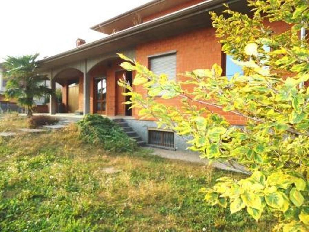 foto  Villa bifamiliare via Vittorio Emanuele II 37, Brignano Gera d'Adda