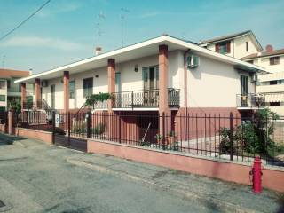 Foto - Villa via Cornelio Tacito 15, Trecate