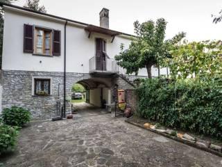 Foto - Casa indipendente 220 mq, buono stato, Pezzolo Valle Uzzone