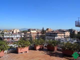Foto - Appartamento via angelo cappuccio, 9, Giardinetti, Roma