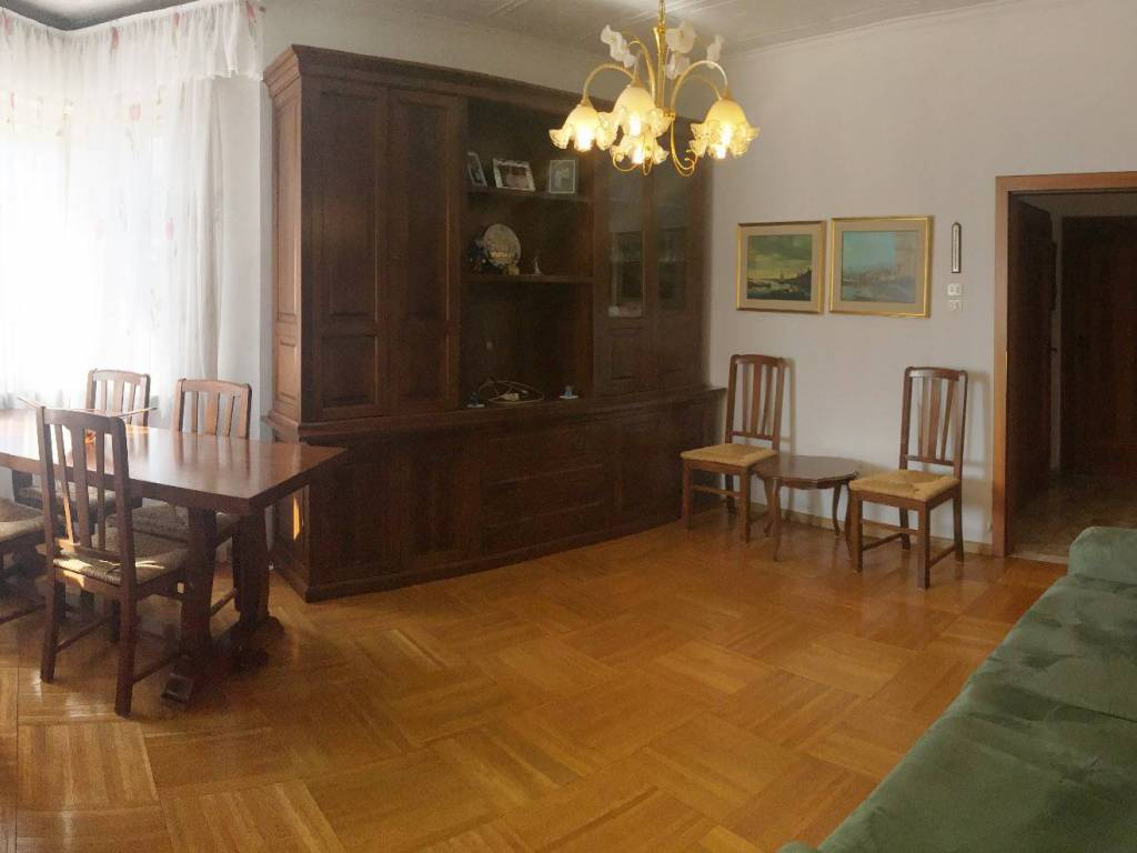Vendita Appartamento Merano. Trilocale in via Francesco.... Da ...