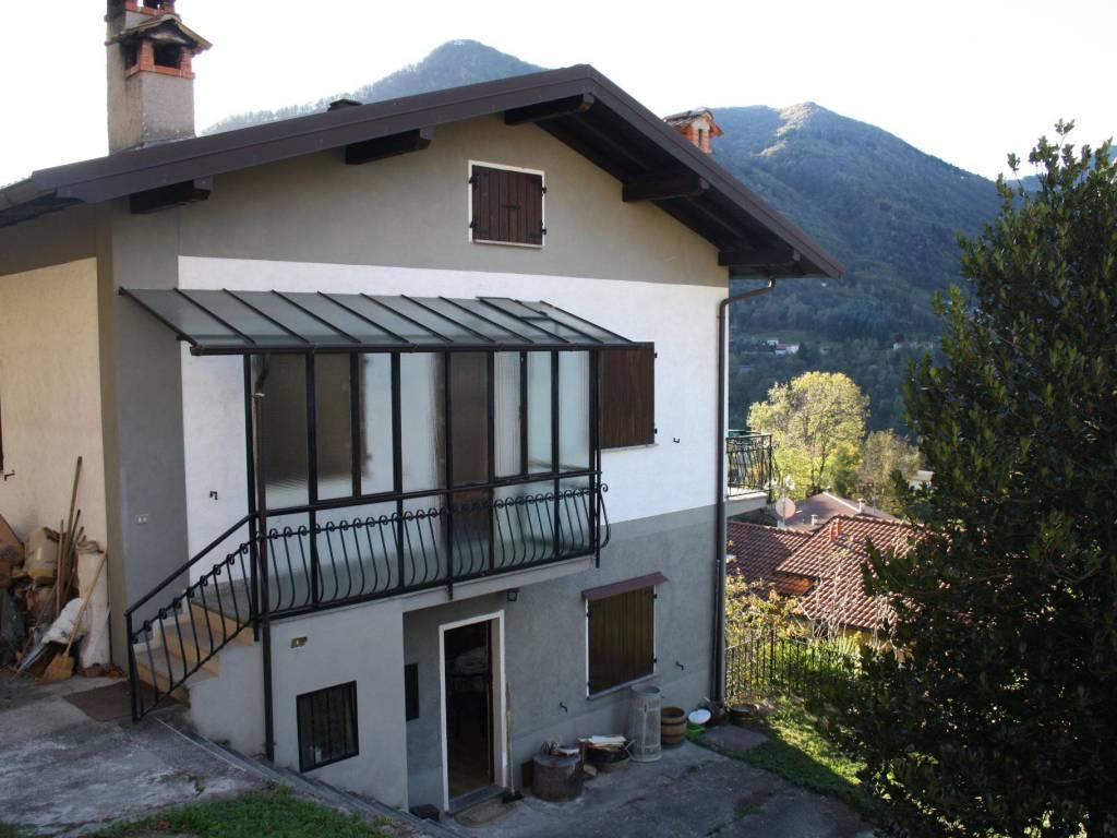 foto  Villa via Magistri Intelvesi, Dizzasco
