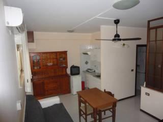 Case e appartamenti via filippo parlatore palermo for Monolocale arredato palermo