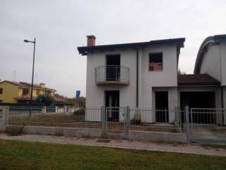 Photo - Terraced house 4 rooms, new, Roncoferraro