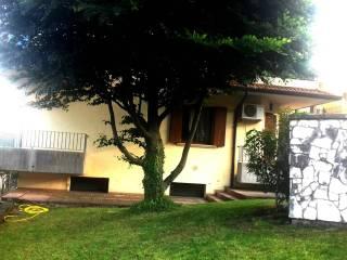 Foto - Bilocale via antonio zuccante, Grancona