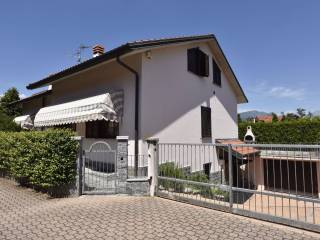 Foto - Villa unifamiliare via Brianza 19, Garbagnate Monastero