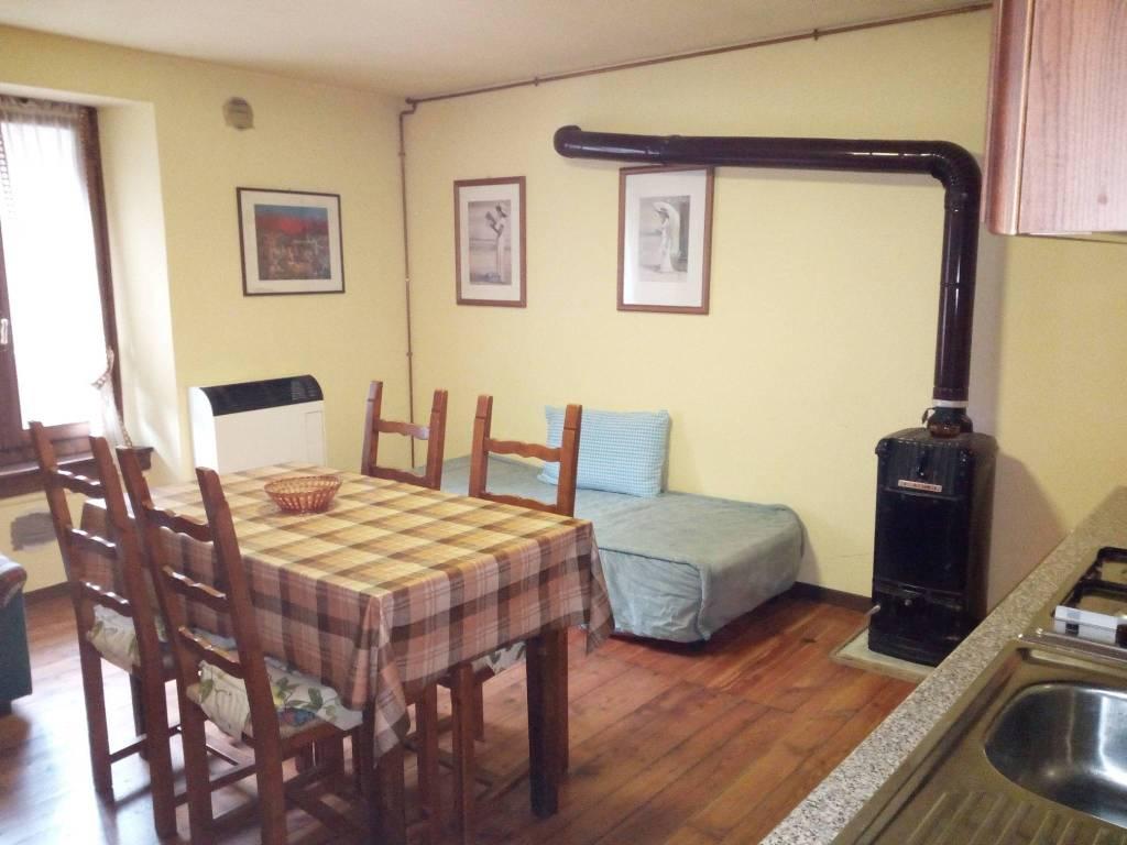 foto  Appartamento piazza Vittorio Veneto, Carona