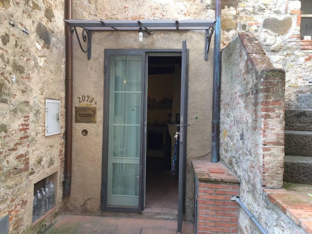 foto  Casa indipendente via di Mastiano e Gugliano, Lucca