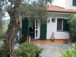 Foto - Villetta a schiera via San Benedetto 1, Evigno, Diano Arentino
