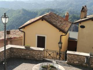 Foto - Casa indipendente via Capo la Morra 14, Canterano