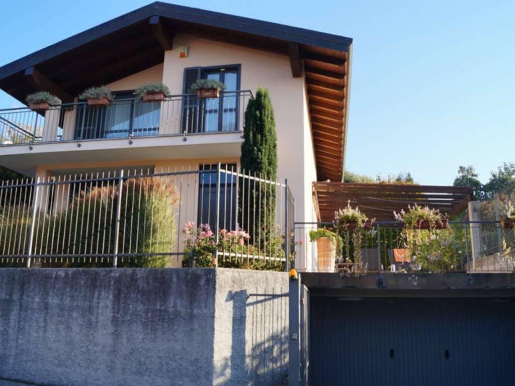 foto  Villa unifamiliare via COCQUO, Sesto Calende