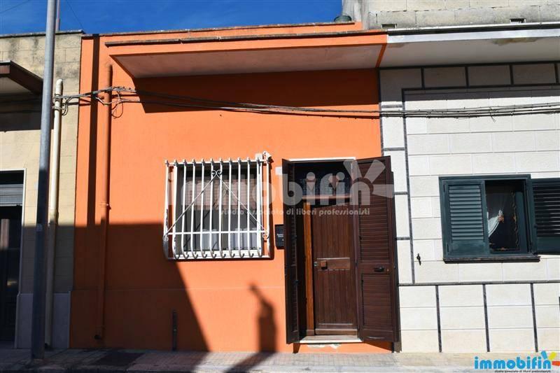 foto esterno Appartamento buono stato, piano terra, Oria