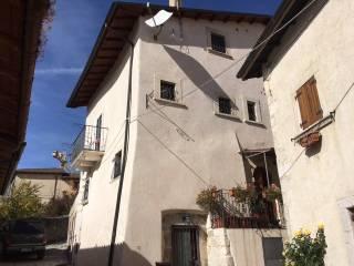 Foto - Casa indipendente via Siro Buccimazza, Rocca di Mezzo