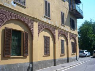 Foto - Trilocale via San Bernardo 16, Chiaravalle, Milano