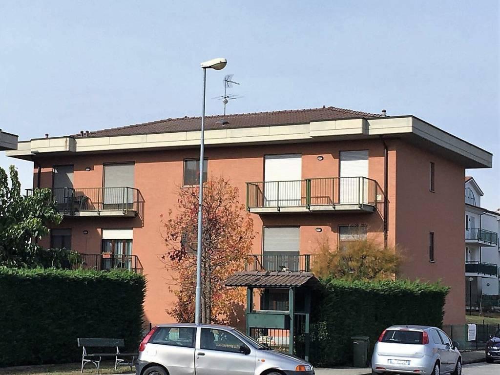 foto Esterno Quadrilocale via Cesare Battisti, Caramagna Piemonte