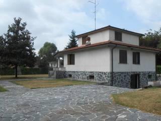 Foto - Villa via Guglielmo Marconi 10, Lonate Pozzolo