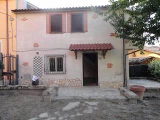 Foto - Casa indipendente via del Passeggio, Forano