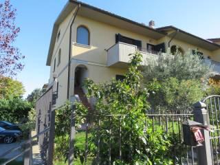 Foto - Trilocale Località Sant'Agata Fratta, Fratta Santa Caterina, Cortona