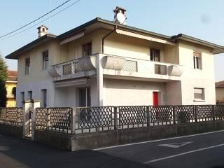 Foto - Villa via Giuseppe Carcano 8, Fornovo San Giovanni