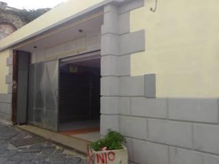Foto - Box / Garage via Santa Teresa degli Scalzi, Materdei, Napoli