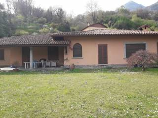 Foto - Villa via Vincenzo Bellini 5-a, Griante