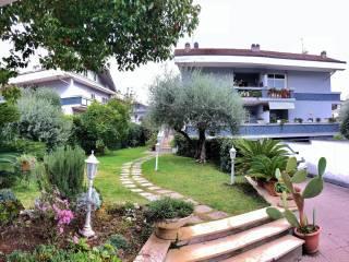 Foto - Villa via Fanocle 61, Axa, Roma