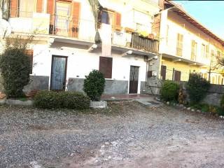 Foto - Bilocale via Vaglio, Varallo Pombia