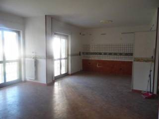 Foto - Trilocale buono stato, primo piano, Aversa